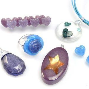 Resin Jewellery with Mould Making - part 1 and 2