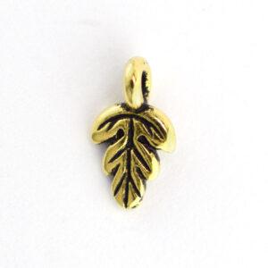 oak leaf charm from tierracast
