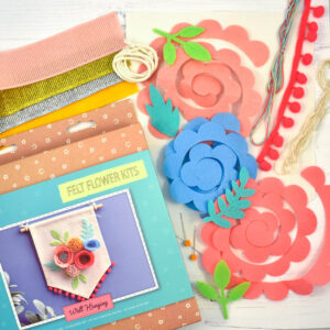 felt flowers wall hanging kit contents